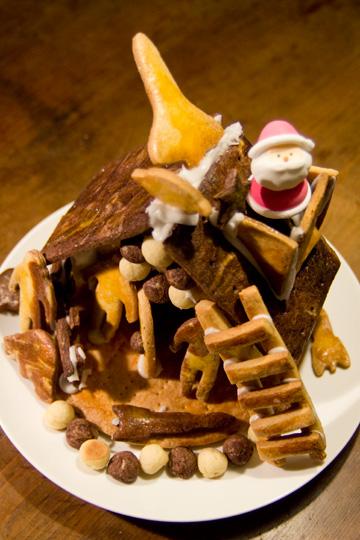 無印のクリスマスクッキーハウス